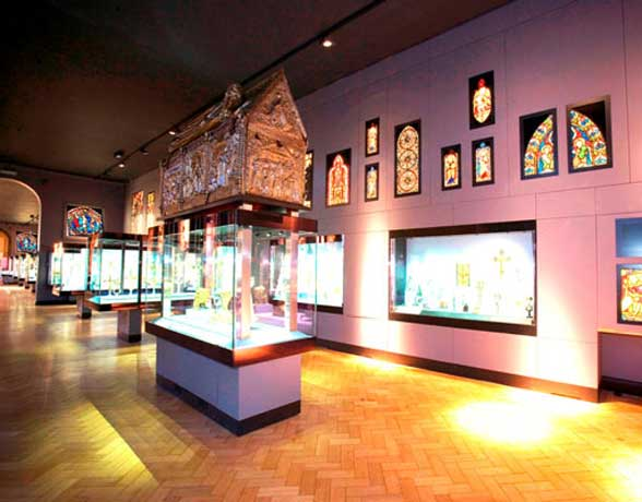 Saper Glass - Museums
